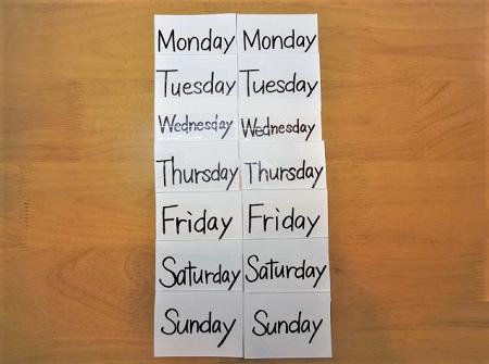 牛乳パックを使った単語カードの作り方ー曜日